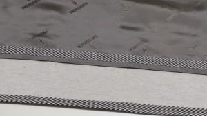 Настрачиваем обтачку на припуски на 0,1-0,2 см от края с лицевой стороны, чтобы получить перекант на основной детали юбки.