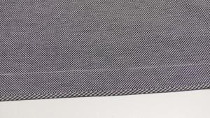 Намечаем припуск на подгибку низа юбки — 4 см.